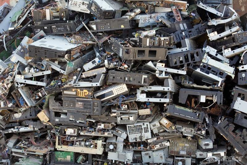 Old Electronics Piling Up? Here's How to Clear the Clutter